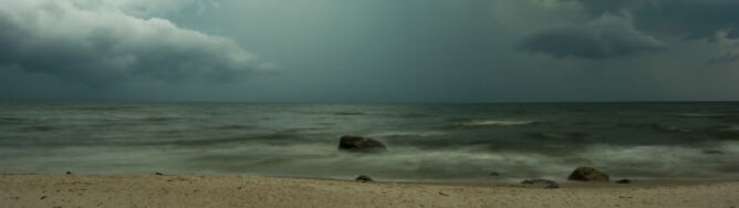 Odradzamy plażowanie. Nad morzem zagrzmi