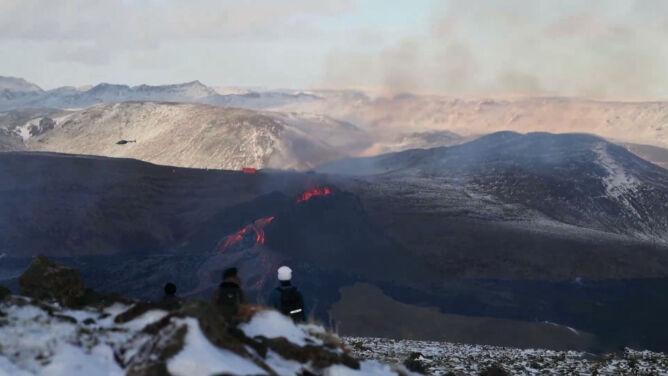 Jedne wybuchają gwałtownie, inne mniej. <br />Od czego zależy moc erupcji wulkanu